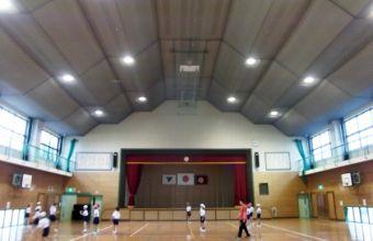 六合小学校体育館